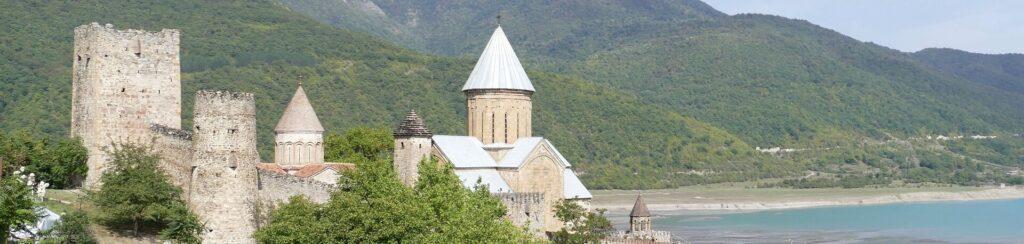 Georgien_Ananuri_Burg_Wehrkirche